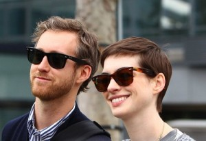 anne-hathaway-and-adam-shulman