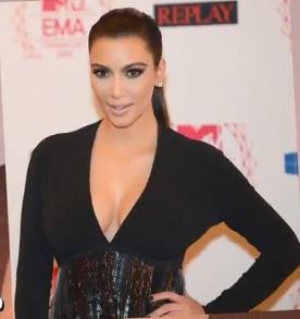 kim-kardashian-in-la-on-new-yeasr-eve-2012